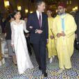La reine Letizia et le roi Felipe VI d'Espagne étaient les invités d'honneur du roi Mohammed VI du Maroc et de sa famille le 13 février 2019 au palais royal à Rabat pour un dîner de gala dans le cadre de leur visite officielle de deux jours.