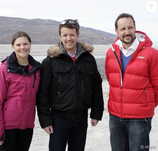 Victoria de Suède, Haakon de Norvège et Frederik de Danemark achèvent leur visite au Groenland...
