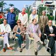 Le jury du Festival de Cannes 1984, avec notamment Isabelle Huppert, Stanley Donen et Ennio Morricone autour du président Dirk Bogarde.