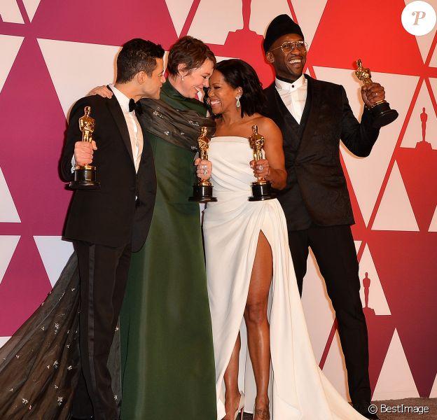 """Rami Malek (Oscar du meilleur acteur pour le film """"Bohemian Rhapsody""""), Olivia Colman (Oscar de la meilleure actrice pour le film """"La Favorite""""), Regina King (Oscar de la meilleure actrice dans un second rôle pour le film """"Si Beale Street pouvait parler""""), Mahershala Ali (Oscar du meilleur acteur dans un second rôle pour le film """"Green Book : Sur les routes du sud"""") - Pressroom de la 91ème cérémonie des Oscars 2019 au théâtre Dolby à Los Angeles, le 24 février 2019."""