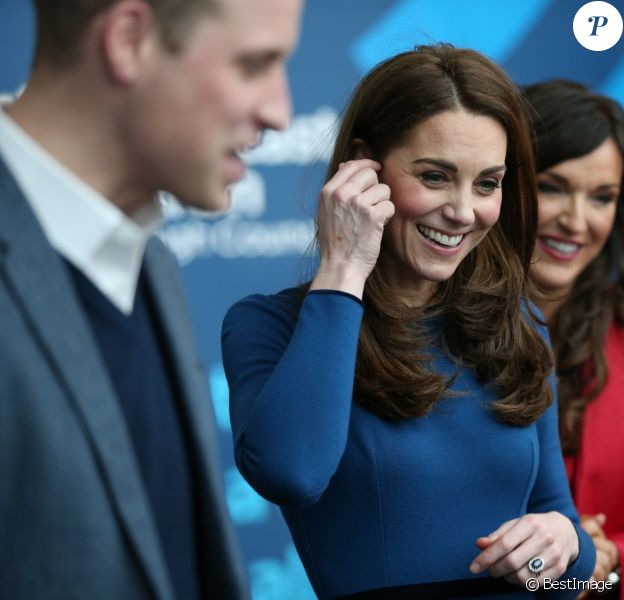 """Le prince William, duc de Cambridge, et Kate Catherine Middleton, duchesse de Cambridge, en visite au centre """"Braid Arts"""" à Ballymena lors de leur voyage officiel en Irlande. Le 28 février 2019"""
