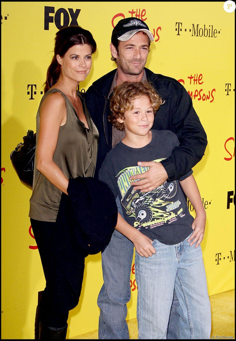 Luke Perry en famille - Soirée du 20e anniversaire des Simpsons à Santa Monica le 18 octobre 2009.