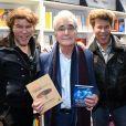 Igor et Grichka Bogdanoff (Bogdanov) avec leur éditeur Guy Trédaniel - Salon du Livre à la Porte de Versailles de Paris, le 17 mars 2019. © Lionel Urman/Bestimage