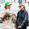 Justin Bieber et sa fiancée Hailey Baldwin sont allés à l'iPic Theater en amoureux et se sont arrêtés acheter des boissons à emporter à New York, le 13 août 2018.