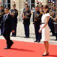 Nicolas Sarkozy pas peu fier de sa femme à Caen lors des cérémonies du 65e anniversaire du débarquement allié en Normandie, le 6 juin 2009