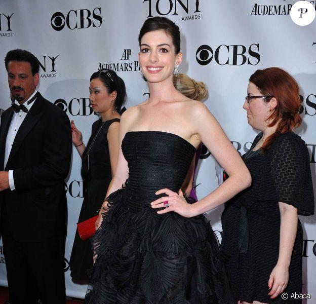 Anne Hathaway, lors des 63e Tony Awards, qui se sont tenus au Radio City Music Hall de New York, le 7 juin 2009 !