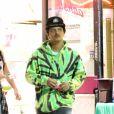 Exclusif - Bruno Mars et sa compagne Jessica Caban font du shopping à Los Angeles, le 1er avril 2019.