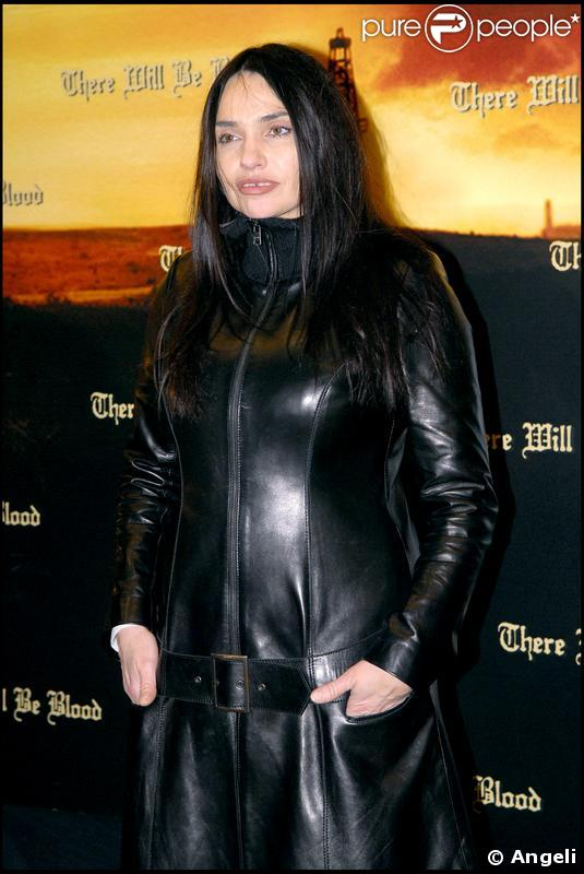 Beatrice dalle afbeelding for Beatrice dalle wiki