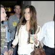 Super branchée dans son jean très fashion et sa micro veste, Ashley Tisdale était simplement étourdissante !