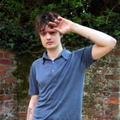Pete Doherty : il s'est fait encore arrêter... la police ne va pas le lâcher comme ça ! Il est en garde à vue et jugé aujourd'hui ! (réactualisé)