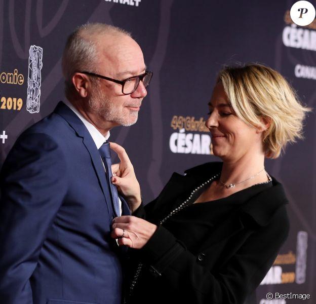 Olivier Baroux et sa femme Coralie - Photocall de la 44e cérémonie des César à la salle Pleyel à Paris. Le 22 février 2019 © Borde-Jacovides / Bestimage