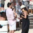 Eva Longoria, son mari José Baston et leur fils Santiago en vacances à la plage sur l'île de Saint-Barthélémy le 21 Avril 2019.