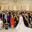 Le grand-duc Jean de Luxembourg (assis à gauche) le 20 octobre 2012 lors du mariage religieux du prince Guillaume de Luxembourg et de la comtesse Stephanie de Lannoy. Le grand-duc est mort dans la nuit du 22 au 23 avril 2019 à l'âge de 98 ans.