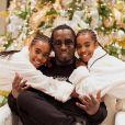 Diddy et ses filles, D'Lila et Jessie, souhaitent aux internautes un joyeux Noël. Décembre 2018.