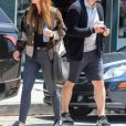 Exclusif - Chris Pratt et sa fiancée Katherine Schwarzenegger s'embrassent dans les rues de West Hollywood, le 25 avril 2019.  For germany call for price Exclusive - Lovebirds Chris Pratt and Katherine Schwarzenegger share a kiss after a coffee run in West Hollywood. 25th april 2019.25/04/2019 - Los Angeles