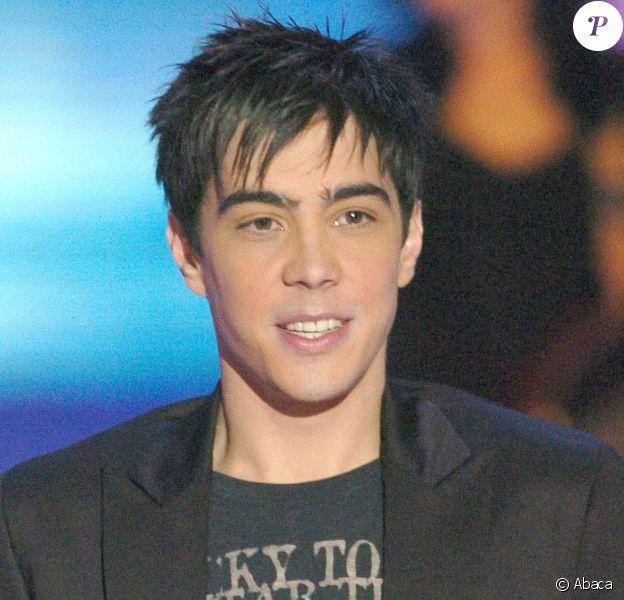 Grégory Lemarchal lors de l'élection Miss Europe 2005, au Palais des sports de Paris le 13 matrs 2005.