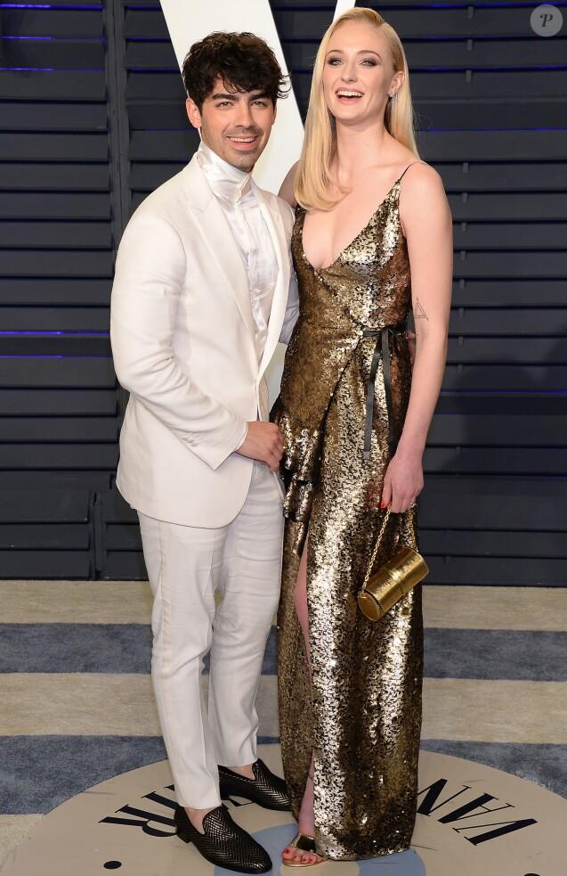 Joe Jonas et sa fiancée Sophie Turner à la soirée Vanity Fair Oscar Party à Los Angeles, le 24 février 2019.