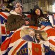 Les fans du duc et de la duchesse de Sussex attendent la naissance du royal baby dans les rues de Windsor, Royaume Uni, le 5 mai 2019.