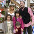 """Franck Ribéry célèbre la fête de la bière """"Oktoberfest"""" avec sa femme Wahiba et ses enfants Salif, Shakinez et Hizya à Munich en Allemagne le 5 octobre 2014."""