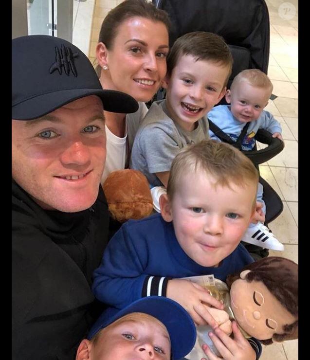 Wayne et Coleen Rooney avec leurs quatre enfants  Kai Wayne, Klay Anthony, Kit Joseph et Cass Mac. Instagram le 5 mai 2019.