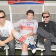 David Hallyday, Patrick Bruel et Johnny, lors du match de football en faveur de deux associations humanitaires (et de ses 66 ans), au Parc des Princes, le 14 juin 2009 !