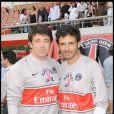 Patrick Bruel et Pascal Elbé, lors du match de football en faveur de deux associations humanitaires (et des 66 ans de Johnny), au Parc des Princes, le 14 juin 2009 !