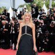 """Angèle - Montée des marches du film """"The Dead Don't Die"""" lors de la cérémonie d'ouverture du 72e Festival International du Film de Cannes. Le 14 mai 2019 © Borde / Bestimage"""