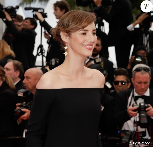 "Louise Bourgoin - Montée des marches du film ""The Dead Don't Die"" lors de la cérémonie d'ouverture du 72e Festival International du Film de Cannes. Le 14 mai 2019 © Borde / Bestimage"