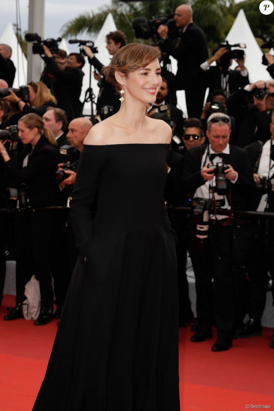 """Louise Bourgoin - Montée des marches du film """"The Dead Don't Die"""" lors de la cérémonie d'ouverture du 72e Festival International du Film de Cannes. Le 14 mai 2019 © Borde / Bestimage"""