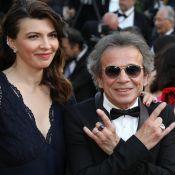 Philippe Manoeuvre et sa jeune épouse Candice, chic et rock à Cannes
