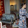 La princesse héritière Victoria de Suède, vêtue d'une robe Sandro, le 10 avril 2019 au palais royal à Stockholm lors de son entretien avec le docteur Tedros Adhanom Ghebreyesus, directeur général de l'OMS.