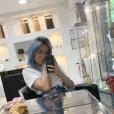 Agathe Auproux dévoile sa perruque sur Instagram - 23 mai 2019