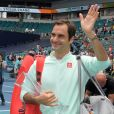 Roger Federer a remporté son 101ème titre en finale du Masters 1000 de Miami contre J. Isner, le 31 mars 2019. A 37 ans, le champion est redevenu numéro 4 mondial.  MIAMI GARDENS, FLORIDA - MARCH 31: Roger Federer of Switzerland defeats J. Isner of USA in the final during day fourteen of the Miami Open tennis on March 31, 2019 in Miami Gardens, Florida.31/03/2019 - Miami