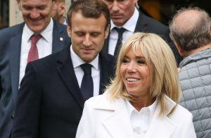 Brigitte Macron : Bain de foule en blanc avec Emmanuel pour aller voter