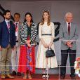 Le prince Carl Philip de Suède, Tatiana Santo Domingo Casiraghi, Beatrice Borromeo Casiraghi et le roi Carl XVI Gustaf de Suède lors du podium du 77e Grand Prix de F1 de Monaco le 26 mai 2019. © Olivier Huitel/Pool Monaco/Bestimage