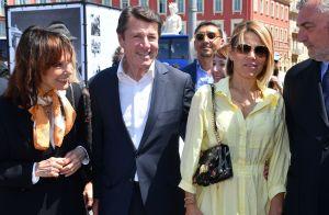 Laura Tenoudji en robe d'été avec Christian Estrosi pour un festival niçois