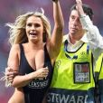 Le mannequin Kinsey Wolanski a interrompu la finale de la Ligue des champions Tottenham-Liverpool au Wanda Metropolitano, à Madrid, le 1er juin 2019.