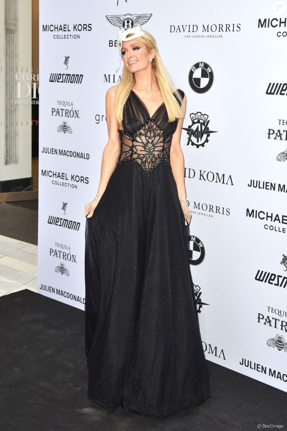 """Paris Hilton au photocall de la soirée """"Cash & Rocket Masquerade Ball & Auction Gala"""" à Londres, le 5 juin 2019."""