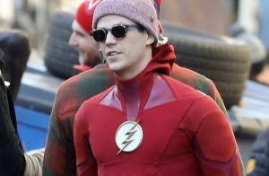 Grant Gustin (The Flash) : Les fesses à l'air en pleine escapade au soleil