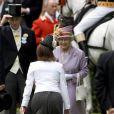 La princesse Eugenie d'York s'incline devant sa grand-mère, reine d'Angleterre depuis 57 ans...