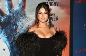 Selena Gomez : Robe bustier, minishort, looks sexy avec Vanessa Hudgens in love