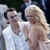 """Pamela Anderson à son fils de 23 ans : """"Tu devrais penser au mariage !"""""""
