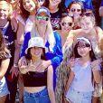 Laeticia Hallyday et ses filles, Jade et Joy, passent un dimanche à la campagne chez son amie Anne Marcassus, le 17 juin 2019.