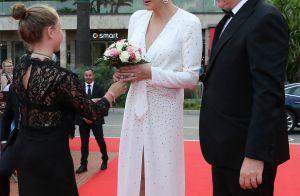 Charlene de Monaco : Audace et décolleté en Louis Vuitton pour Michael Douglas