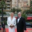Le prince Albert II de Monaco et la princesse Charlene de Monaco (en robe Louis Vuitton) à leur arrivée à la soirée de clôture du 59e Festival de Télévision de Monte-Carlo au Grimaldi Forum à Monaco le 18 juin 2019. © Olivier Huitel/ Pool Organisation FTV/Bestimage