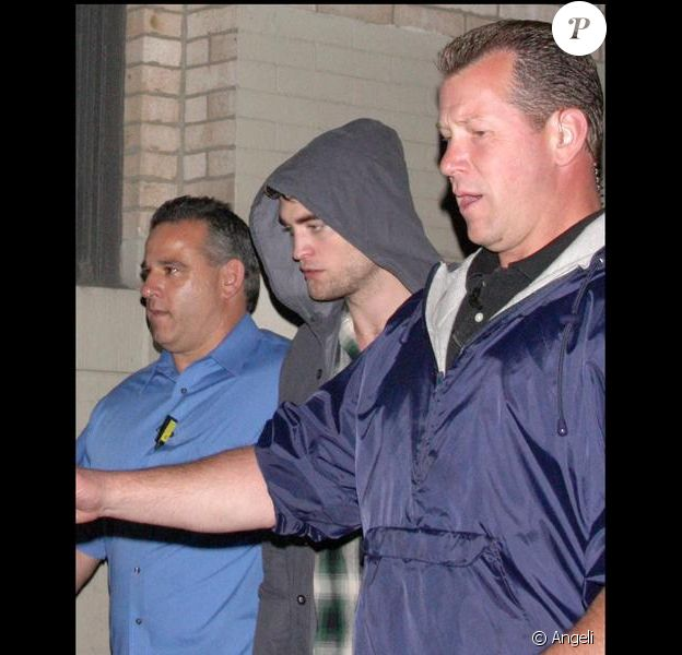 Robert Pattinson sur le tournage de Remember me à New York le 22 juin 2009
