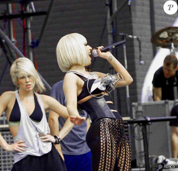 Lady Gaga chante à l'occasion du Much Music Video Awards à Toronto au Canada le 21 juin 2009