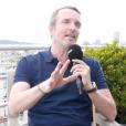"""Stéphane Rotenberg en interview pour """"Purepeople.com"""", raconte les coulisses du tournage de """"Pékin Express 2019""""."""