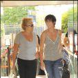 Représentation du spectacle Au delà des murs de Catherine Lara, le 23 juin 2009 : Muriel Robin et sa compagne Anne
