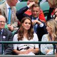 Kate Middleton, duchesse de Cambridge, dans la loge royale du court central à Wimbledon le 2 juillet 2019.
